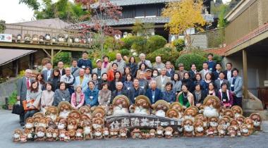 オーナー様との親睦旅行では陶芸体験や旬のグルメな ど、様々なアクティビティを楽しんで頂いております。